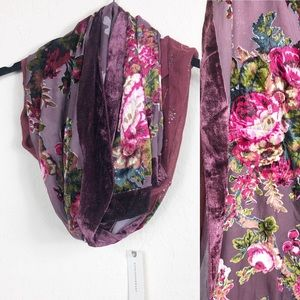 Anthro | SAACHI wine velvet burnout scarf